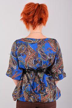 Блуза В0369  Цена: 490 руб  Размеры: 42-48    Превосходная блуза с округлым вырезом горловины,  дополнена лакированым поясом.  Выполнено из легкого материала  с контрастным рисунком.  Модель свободного кроя.  Состав: 100 % шифон.  Рост модели на фото: 156 см.       http://odezhda-m.ru/products/bluza-v0369       #одежда #женщинам #блузкирубашки #одеждамаркет