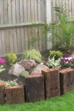 The Benefits of Gardening in a Raised Bed Frame You Need To Try Garden Edging, Easy Garden, Garden Paths, Landscape Edging, Landscape Designs, Herb Garden, Raised Bed Frame, Raised Flower Beds, Raised Beds