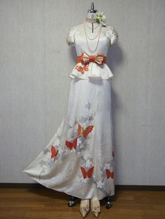 Orange Butterfly on White Kimono Off-Shoulder Ribbon Maxi Dress [White Satin]