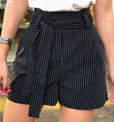 Casual fashion outfits ideas and Chic Summer outfits for 2019 Cute Summer Outfits, Short Outfits, Chic Outfits, Short Skirts, Short Dresses, Short Graduation Dresses, Cute Shorts, Mode Style, Ideias Fashion