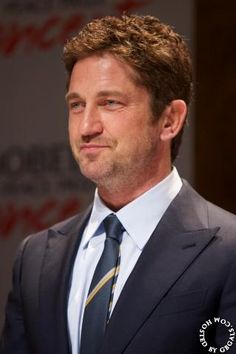Top o' the mornin' to ya! Gerard Butler produced one of the worst Irish accents of all time in 'PS I Love You', so why is he now playing a leprechaun, asks Stephen Milton  (no pic w/this article so I supplied one, from the Nobel Peace Prize Concert press conference in Oslo, Norway this past December.Thanks GALS!)