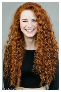 Photographer captures portraits of more than 130 redheads Who are you calling ginger? Photographer captures portraits of more than 130 beautiful redhead women in a bid to tackle bullying Curly Hair Styles, Short Curly Hair, Natural Hair Styles, Curly Ginger Hair, Curly Hair White Girl, Medium Curly, Medium Layered, Hair Medium, Layered Hair
