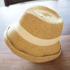 Hat twist cute color scheme. Anyone who can doing naturally design. Summer essentials! Sunburn measures and the fashionable. . A nicely fit hat in various scenes. . ease Andari Short-up hat http://kanden43.jp/?pid=1597052 #HoldinghandsHerat #ease #Andari #Shortuphat #hat #strawhat #fashionmiscellaneousgoods #NaturalGoods #LadiesFashion #NaturalFashion #Natural #Naturalsystem #selectshop #Japan