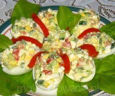 Jajka z warzywnym farszem