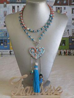 """Ravissant collier plastron en perles de verre  et médaillon argile """"hippie chic"""" de la boutique framboisefrancoise sur Etsy"""