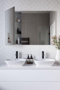 Best Indoor Garden Ideas for 2020 - Modern Bathroom Mirror Storage, Small Bathroom Mirrors, Bathroom Mirror Design, Modern Bathroom Cabinets, Bathroom Mirror Lights, Mirror Cabinets, Bathroom Design Small, Bathroom Interior Design, Home Interior