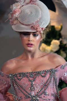 Delicie-se com detalhes dos desfiles da Dior Couture