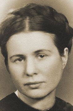 Catholic social worker Irena Sendler risked her own life to rescue over Irena Sendler, Warsaw Ghetto, Faith In Humanity Restored, Public Speaking, Oscar, World History, Change The World, My Hero, Wwii