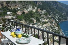 Hus i Positano, Italia. Casa Belvedere is a nice apartment in Mediterranean style, composed by a double room in loft, bath with shower, entry - stay with angle cooking and terrace. It has conditioned air and every other type of comfort.  Casa Belvedere is a nice apartmen...