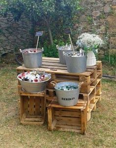 Hochzeit Catering Dekoration Einfache - You are in the right place about wedding catering questions Here we offer you the most beautiful pictu Farm Wedding, Rustic Wedding, Buffet Wedding, Wedding Country, Sommer Pool Party, Food Truck Catering, Catering Logo, Catering Buffet, Catering Display