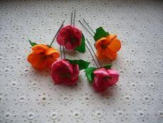 floare MK de panglica de satin.  Flori de panglici de satin