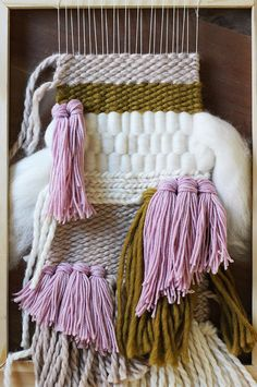 Wow, this brings back memories of things we did in 70s. FUN,      weaving 101 - wall hanging tutorial
