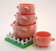 for a piggy cooking style This Little Piggy, Little Pigs, Pig Kitchen, Pig Pen, Piggly Wiggly, Mini Pig, Cute Piggies, Pet Pigs, Flying Pig