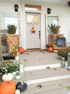 This farmhouse fall garden tour is amazing!