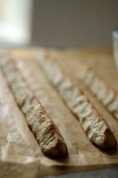 Kransekage – nok klodens bedste – opskrift – Beretninger fra et autentisk landbrug Almond Pastry, Almond Flour, Food Cakes, Cupcake Cakes, Cupcakes, Cake Recipes, Dessert Recipes, Desserts, Danish Food
