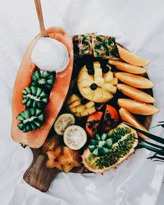 Spicy candy and cocktail - Clean Eating Snacks I Love Food, Good Food, Yummy Food, Tasty, Tumblr Food, Healthy Food Tumblr, Food Goals, Aesthetic Food, Aesthetic Beauty