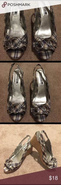 🌺🦅 AMERICAN EAGLE 🦅🌺 Plaid Wedges SIze 9 🌺🦅 AMERICAN EAGLE 🦅🌺 Beautiful Plaid Wedges SIze 9 these are Preloved in excellent condition only worn once.  Wedges are super comfortable to walk in making it easy to last all day. American Eagle Outfitters Shoes Wedges