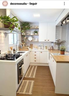 Top 5 Inexpensive kitchen Room ideas Cozy kitchen designed by . Kitchen Room Design, Cozy Kitchen, Kitchen Sets, Modern Kitchen Design, Home Decor Kitchen, Interior Design Kitchen, Kitchen Furniture, Home Kitchens, Kitchen Remodel