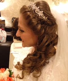 #BrideOfTheDay 🎀 Hair by #WeddingHairbySorahYaffa | #ANNOUNCEMENT be on the look out for an #instagramgiveaway tonight at 7 pm!!! Don't miss out!! | #BrideGoals #PrincessBride ❤ Book an appointment today!