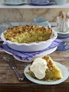 Unser beliebtes Rezept für Apple Walnut Pie (Apfel-Walnuss-Butterstreusel-Kuchen) und mehr als 55.000 weitere kostenlose Rezepte auf LECKER.de.