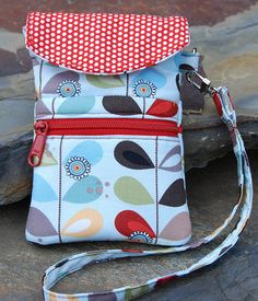 Trillium Cell Phone  Wristlet Pattern - pattern for sale