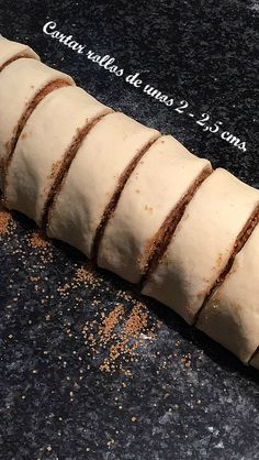 ROLLOS-CANELA-THERMOMIX Diet Recipes, Healthy Recipes, Hot Dog Buns, Cupcakes, Deserts, Sweets, Bread, Snacks, Breakfast