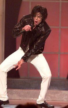 Michael Jackson.. teach them how to Dougie!