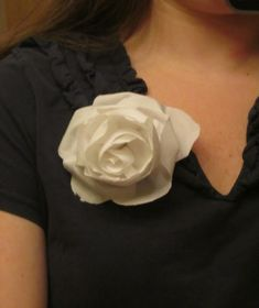 How to Make Five-Minute Fabric Flowers  :  wedding announcements chicago diy flowers tutorial 1954 1954