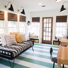 The 10 Most Popular Shiplap Decorating Photos on Pinterest