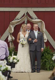 rustic barn wedding  //  melissa mccrotty photography