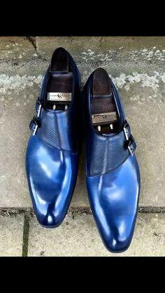 Handmade Blue Leather Monk Shoes, Men Blue Double Monk Genuine Leather Shoes Condition : New With Box Material : Leather Interior : Soft Leather Lining Sole : Leather Sole Fine Stiching Handling Time 10 days Made to order Der Gentleman, Gentleman Shoes, Formal Shoes, Casual Shoes, Dress Formal, Casual Outfits, Men Dress, Dress Shoes, Fashion Shoes