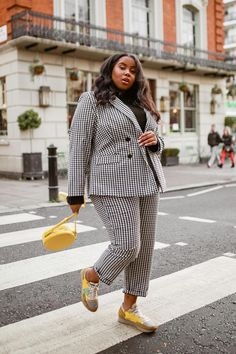 I've Been a Stylist for 10 Years—These 3 Outfits Always Look Good - The 3 Most Classic Outfits That Suit Everyone Plus Size Suits, Outfits Plus Size, Look Plus Size, Curvy Girl Outfits, Fat Fashion, Curvy Fashion, Look Fashion, Womens Fashion, Petite Fashion