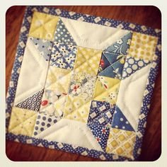 "bitty bits & pieces: Mini Mug Rug 5""X5"""