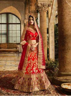 #lehenga #saree #lehengacholi #fashion #indianwedding #indianwear #ethnicwear #wedding #indianfashion #indianbride #bridallehenga #onlineshopping #kurti #lehengalove #bridalwear #weddingdress #designerlehenga #designer #lehengas #bridal #weddinglehenga Bridal Lehenga Online, Designer Bridal Lehenga, Indian Bridal Lehenga, Bengali Wedding, Pakistani Wedding Dresses, Bridal Dresses, Lehenga Saree, Anarkali, Sarees