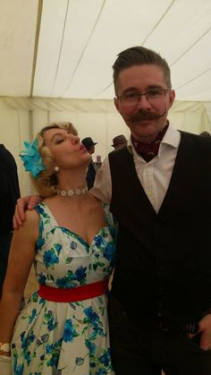 #twinwoodfestival2014 #twinwoodfestival #twinwood #vintagestyle #vintagefashion #vintagelook #fortiesfashion #fortiesstyle #fiftiesfashion #fiftiesstyle #vintagelover and me again with another gentleman