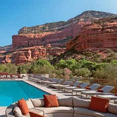 Your Mini-Moon Itinerary in Sedona, Arizona Sedona Arizona, Arizona Road Trip, Arizona Travel, Las Vegas Hotels, Places To Travel, Places To Go, Best Vacations, Vacation Deals, Travel Deals