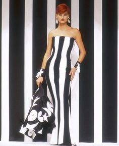 Supermodel Linda Evangelista wears a Valentino ready-to-wear evening dress in 1992. The dramatic and photogenic combination of black and white