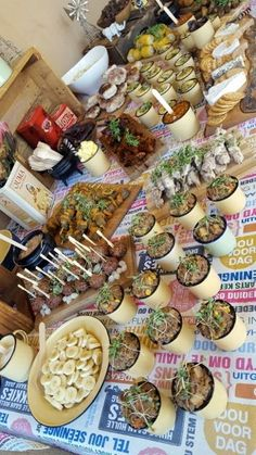 """South African """"Kuier"""" Food TableProudly South African """"Kuier"""" Food Table The perfect Breakfast South African Decor, South African Dishes, South African Recipes, Ethnic Recipes, South African Braai, Braai Recipes, Cooking Recipes, Oven Recipes, Traditional Platters"""