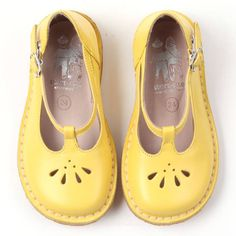Oooooooo love the colour - and I've heard that yellow is THE colour for 2013! START RITE Susan Shoes