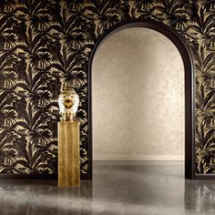 The Versace Giungla Palm Leaves Wallpaper features an exquisite black Versace palm leaf design on a soft gold backdrop. Free UK delivery available Vinyl Wallpaper, Palm Leaf Wallpaper, Gold Wallpaper, Tree Wallpaper, Textured Wallpaper, Tropical Wallpaper, Versace Home, Versace Casa, Magic Room