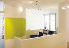 Schöne Idee für runde wand und einem Licht drin praxiseinrichtung, orthopädische arztpraxis, empfang