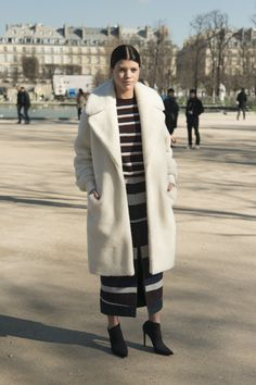 A Street-Style Guide to Wearing an Oversize Overcoat | StyleCaster