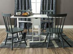 SNEKKERSTEN Table 4 MOSS Chairs