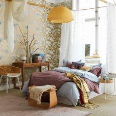 Une chambre très féminine avec un jeu de couleurs tendres decodesign / Décoration