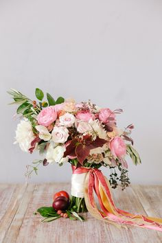 peach and plum bouquet | Annabella Charles Photography Haute Horticulture flowers Everbloom Designs styling