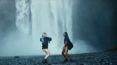 Major Lazer, Justin Bieber and MØ release a dance video for 'Cold Water' Major Lazer, Justin Bieber, Replay, Music Songs, New Music, Dance Videos, Music Videos, Marisa Monte, Festivals