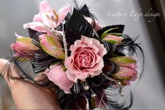 and black wrist corsage Homecoming Flowers, Homecoming Corsage, Prom Flowers, Bridal Flowers, Flower Corsage, Wrist Corsage, Prom Ideas, Wedding Ideas, Prom Queens