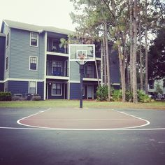 Did you know we have not 1, not 2, but 6 basketball hoops and two full  basketball  courts for residents to use? Come get a tour with us today and see everything we offer at the DoK! #inittowinit #basketball #UNF #dok #lovewhereyoulive
