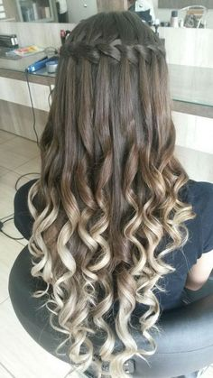 Ultimate Guide: Beautiful Braided Wedding Hairstyle Ideas Aside from your wedding outfit and jewellery, your hairstyle plays a critical role in your attire and general look. Every hair type will make a distin…Five star waterfall hair with blonde ha Quince Hairstyles, Pretty Hairstyles, Braided Hairstyles, Hairstyle Ideas, Hairstyle Wedding, Hairstyle Short, Wedding Braids, Layered Hairstyles, Work Hairstyles