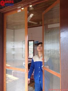 Cửa sổ chống muỗi cánh mở Quang Minh: http://cuasochongmuoi.blogspot.com/search/label/cua%20luoi%20canh%20mo